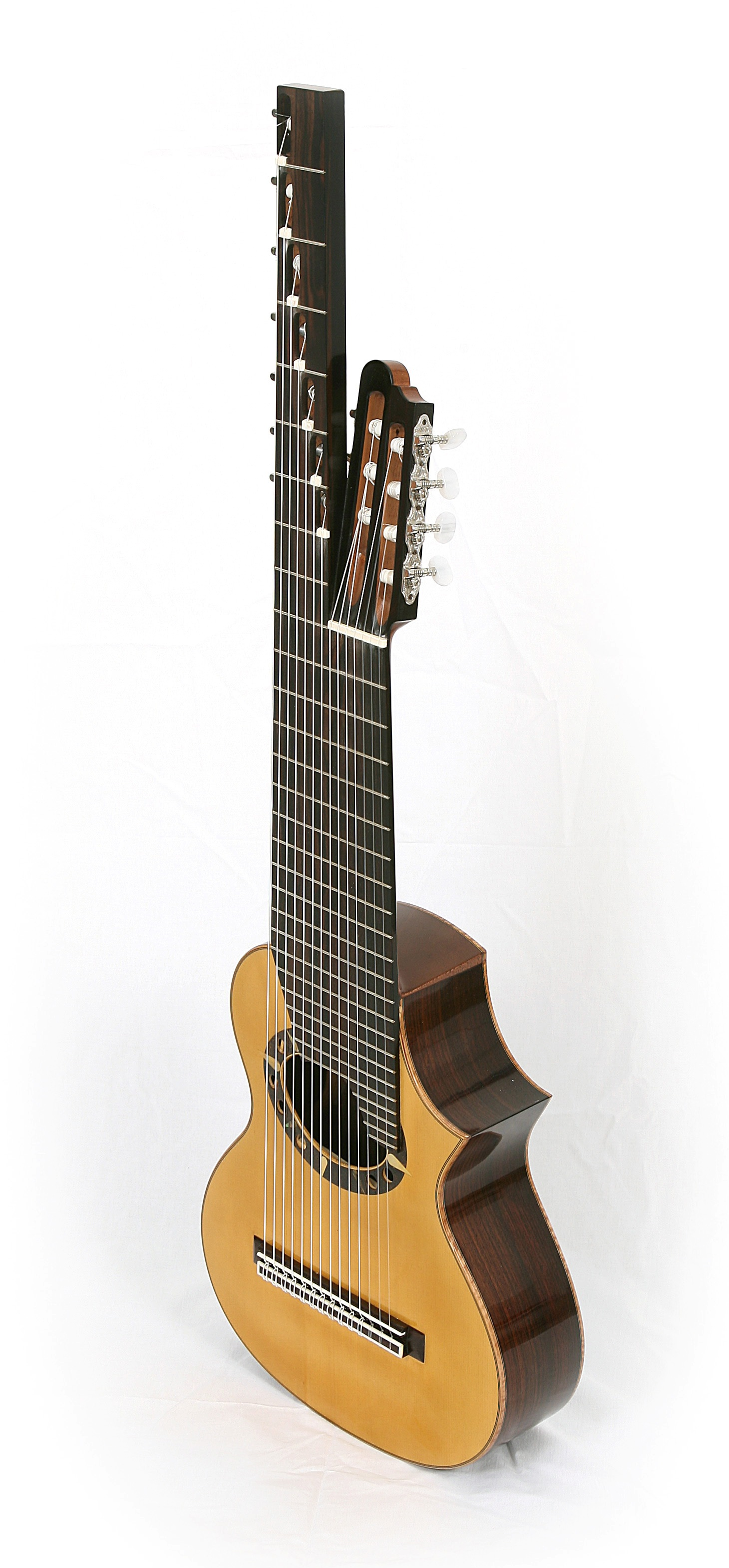 14-string Alto guitar, intonation g1-d1-a-f-c-G-F-Ess-D-C-B-A-G-F. Rodolfo Cucculelli, custom guitars.JPG