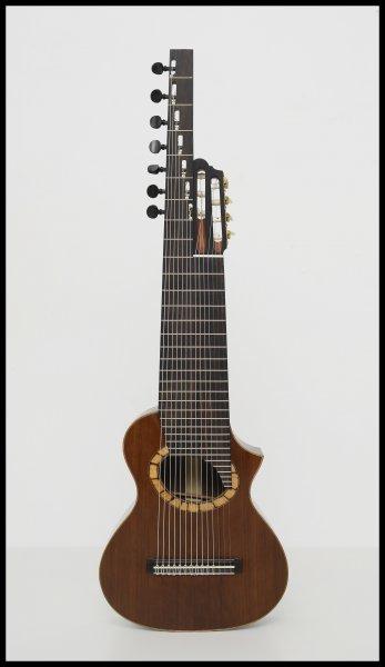 01. Alto guitar ~ Altgitarr ~ Scale 555 mm., Rodolfo Cucculelli, custom instruments.jpg