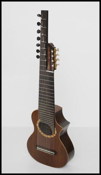 03. Custom Alto guitar, Rodolfo Cucculelli, handmade guitars.jpg